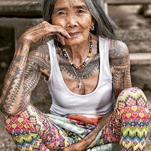 Tatuadora famosa.