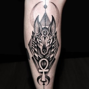 tatuaje del dios anubis