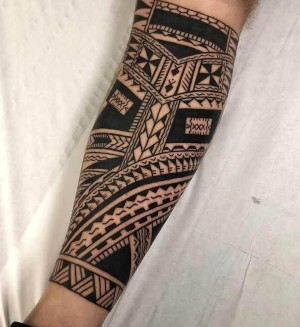 tatuajes maories brazalete