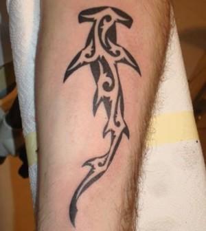 tatuajes maories de tiburones