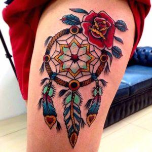 tatuaje de atrapasueños old school