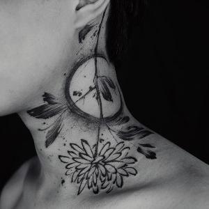 tattoo en el cuello