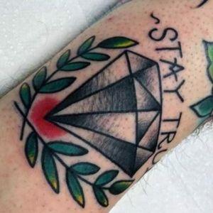 tatuaje old school de diamante
