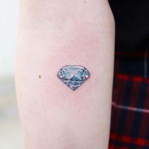 tatuajes sencillo de diamante
