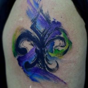 tatuaje de flor de lis watercolor