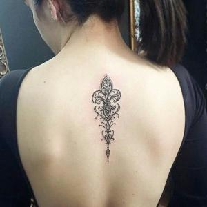 tatuajes de flor de lis