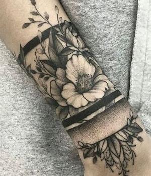 tattoo de flroes para mujeres