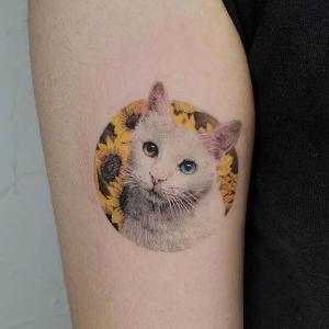 tatuaje de gato para mujeres
