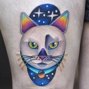 tatuaje de gato psicodelico