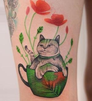 tatuaje hermoso de gato
