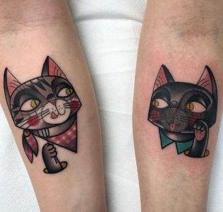 tatuajes en el brazo de gatos
