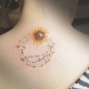tatuaje de girasol para mujer