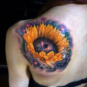 tatuaje de girasoles espacio