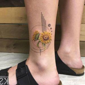 tatuaje de girasoles para mujer