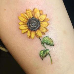 tatuaje de girasoles para mujeres
