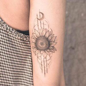 tatuajes de girasoles para chicas