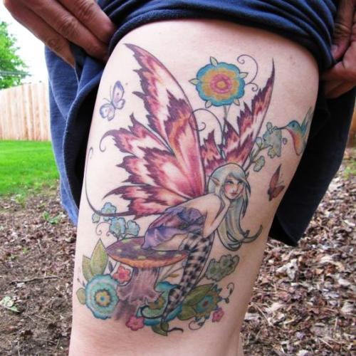 tatuajes de hadas en la pierna