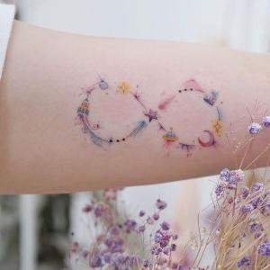 tatuajes hermosos de infinitos para mujeres