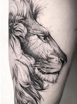 bonito tatuaje de leon