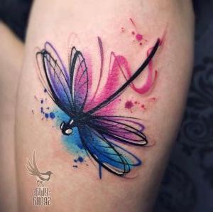 tatuaje acuarela de libelula