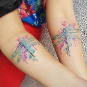 tatuaje para amigas de libelulas