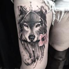 tatuajes para mujeres de lobo