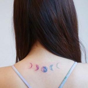 tatuaje de secuencia de luna