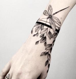 tatuajes bonitos en la muñeca