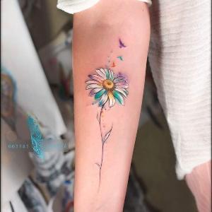 bonita margarita tatuada