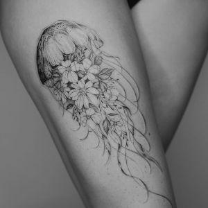 tatuaje de medusa para mujer