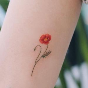 mini tattoo flor para mujer