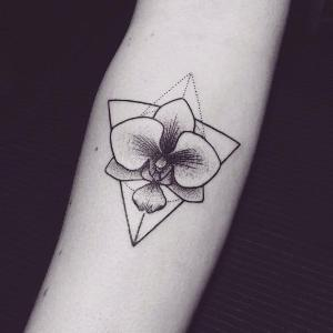 imagen de tatuaje de orquídeas