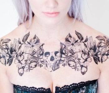 tattoos en el pecho