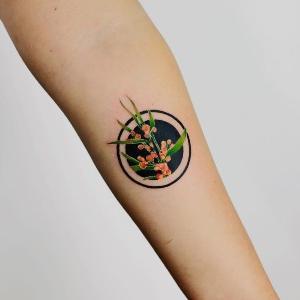 hermoso tatuaje pequeño para mujer