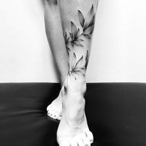 imagen de tatuaje en la pierna