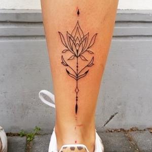 tattoo para mujer pierna