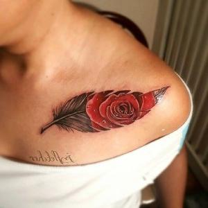 diseño de tatuaje de pluma