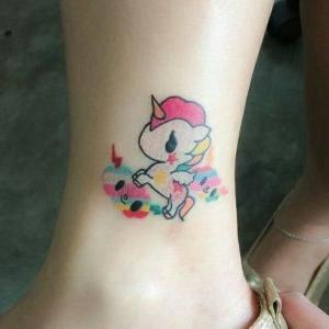 tatuajes pequeños de unicornios