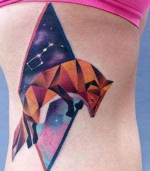 tatuaje psicodelico de zorro